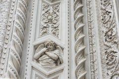 在大教堂佛罗伦萨的天使 库存图片