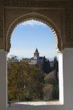 在大教堂的窗口 免版税图库摄影