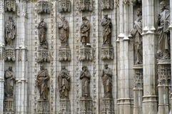 在大教堂的12个雕象在塞维利亚 库存图片