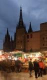 在大教堂附近的圣诞节市场在巴塞罗那,西班牙 免版税库存照片