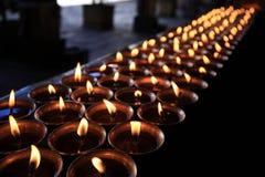 在大昭寺寺庙的黄油灯 库存照片
