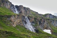 在大格洛克纳山Hochalpen Strase附近的瀑布在Hohe Tauern 库存图片