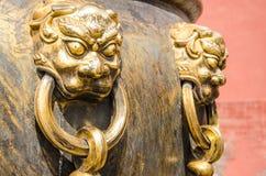 在大桶的狮子在故宫 库存图片