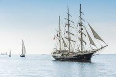 在大海的高船 免版税库存图片