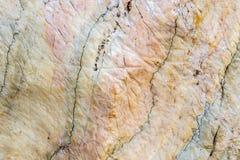 在大理石石纹理背景的线曲线 免版税库存照片