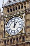 在大笨钟塔的时钟  图库摄影