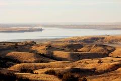 在大草原的日落之前 免版税图库摄影