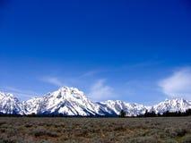 在大蒂顿国家公园的清楚的蓝色天,怀俄明 免版税库存照片