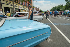 在大街上的Cruisin在曼彻斯特康涅狄格 免版税库存图片