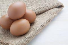 在大袋的鸡蛋 图库摄影