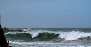 在大西洋的大波浪 免版税库存照片