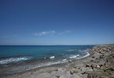 在大西洋海岸的五颜六色的日出风景 免版税库存照片