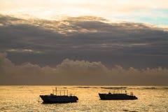 在大西洋的五颜六色的日出 多米尼加共和国, Bavaro海滩 库存照片