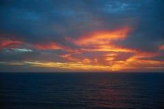 在大西洋的五颜六色的日出playa的del Ingles 库存照片