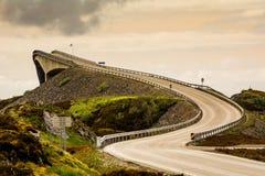 在大西洋路的Storseisundet桥梁 免版税库存图片