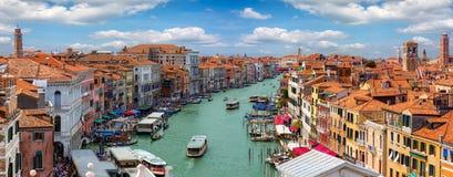 在大运河的全景和地平线在威尼斯,意大利 库存照片
