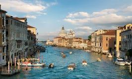 在大运河的小船 免版税库存图片