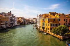 在大运河都市风景的看法2016年8月17日的在威尼斯,意大利 图库摄影