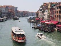 在大运河,威尼斯的Vaporetto 免版税库存图片