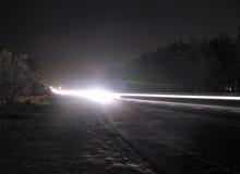 在大道的冬天晚上 免版税库存照片