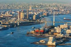 在大阪湾附近的都市风景 图库摄影