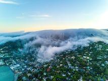 在大雾下的旧金山湾 库存照片