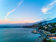 在大雾下的旧金山湾 免版税库存照片