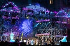 在大露天舞台的晚上音乐会 库存图片