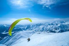 在大高加索山脉山的冬天 免版税库存图片