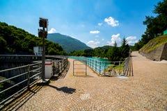 在大水坝的大看法 免版税库存照片