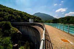 在大水坝的大看法 免版税库存图片