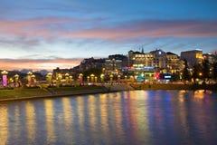 在大叻市江边的微明 越南 免版税库存图片
