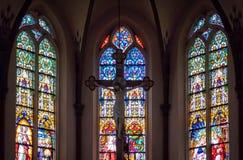 在天主教会里面大教堂  免版税库存照片
