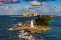 在天堂海岛,巴哈马上的灯塔 免版税图库摄影