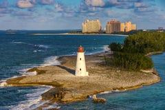在天堂海岛,巴哈马上的灯塔 库存照片