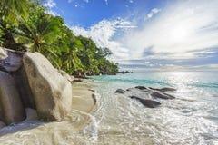 在天堂海滩anse乔其纱的晴天, praslin塞舌尔群岛13 免版税库存照片