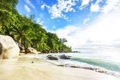 在天堂海滩anse乔其纱的晴天, praslin塞舌尔群岛32 免版税图库摄影
