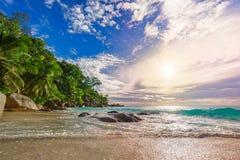 在天堂海滩anse乔其纱的晴天, praslin塞舌尔群岛34 库存图片