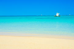 在天堂海滩的假期在Anakao,马达加斯加 免版税库存照片