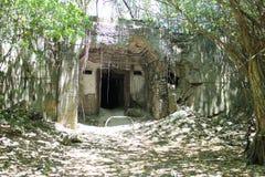 在天宁岛的日本燃料地堡废墟 库存图片