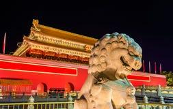 在天安门门前面的狮子在北京 免版税库存照片