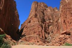 在天山山的神奇峡谷 免版税库存图片