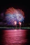 在天庆祝7月14日的烟花在尼斯 图库摄影