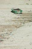 在天旱的小船 免版税库存照片