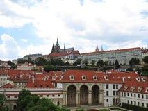 在天期间,布拉格老历史城堡, Hradcany,捷克全景  免版税图库摄影