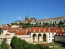 在天期间,布拉格老历史城堡, Hradcany,捷克全景  库存图片