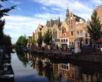 在天期间,阿姆斯特丹街道 免版税库存照片