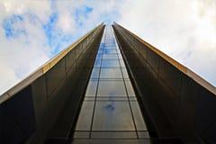 在天空的上面的玻璃方式 免版税库存照片