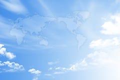 在天空的世界地图 免版税库存图片