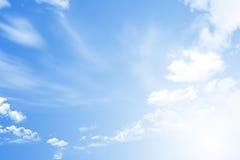 在天空的世界地图 免版税库存照片